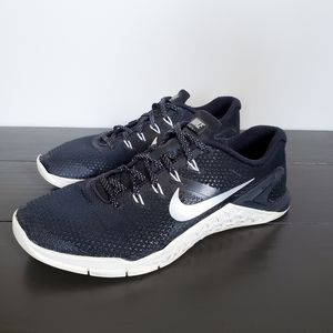 Nike Metcon 4 Black & White Weightlifting Shoes